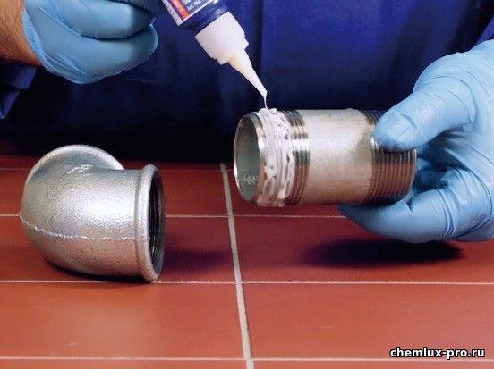 нанесение авто герметика на металл